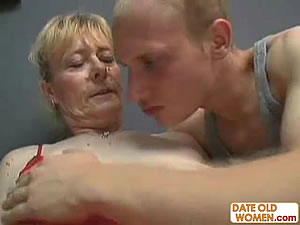 Horny blonde granny enjoys young cock - XXX Free Tube