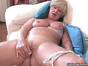 Granny Samantha's old pussy needs attention (compilation)