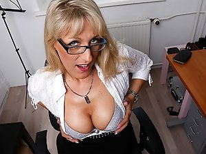 Steamy hot German housewife goes all the way