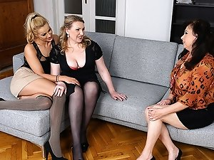 Hot babe doing two lesbian housewives