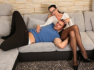 German housewife fucking and sucking on the couch