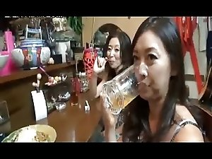 4 Mature Japanese Sluts Fuck in Karaoke Bar (Uncensored)